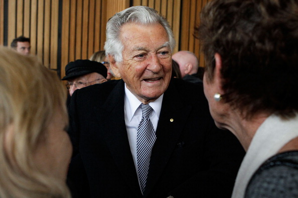 SYDNEY, AUSTRALIA - JUNE 25:  Former Australian Prime Ministers, Bob Hawke speaks with guests following a state memorial service for the late Hazel Hawke, at the Sydney Opera House on June 25, 2013 in Sydney, Australia. Hazel Hawke, ex-wife of former Australian Prime Minister, Bob Hawke, passed away at age 83 from  Alzheimer's complications.  (Photo by Brendon Thorne/Getty Images)