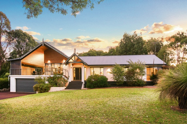 19 Carinya Rise, Dunsborough – $1.195 million