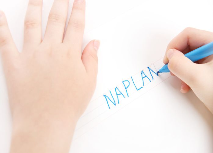 Students hit by NAPLAN glitch can re-sit test