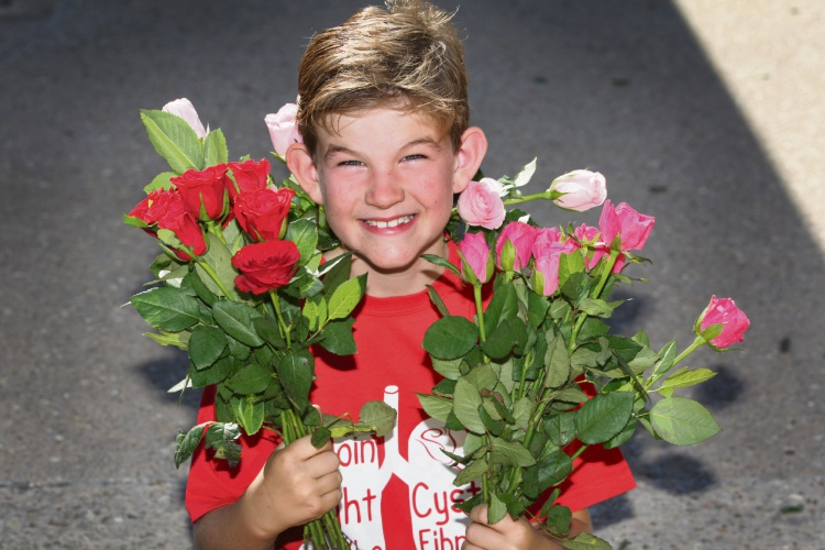 Pearsall PS student Stephen Posselt will sell roses for cystic fibrosis. Picture: Bruce Hunt d492980