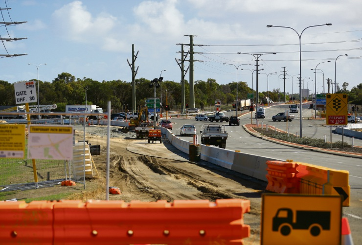 Main Roads will close the Wanneroo Road-Joondalup Drive intersection for a weekend as part of its interchange project. d492932