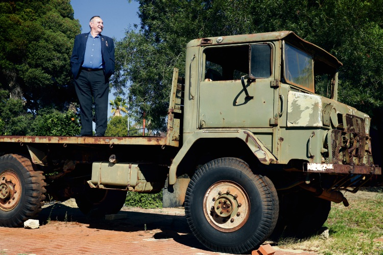 Wanneroo RSL vice president Peter Tuck and Lizzy, an Australian Army cargo truck. Picture: Martin Kennealey www.communitypix.com.au d493589