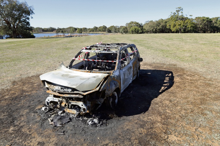 The remains of the car at Lake Gwelup Reserve in Karrinyup. Photo: Martin Kennealey d493706