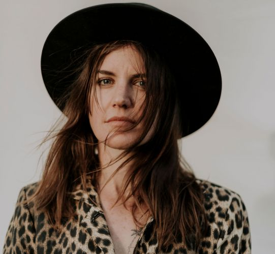 Abbe May is hosting a two-night fundraiser for her new album Red Flag.