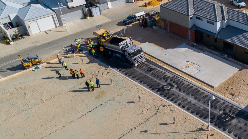 Workers paved Port Coogee roads with Reconophalt.