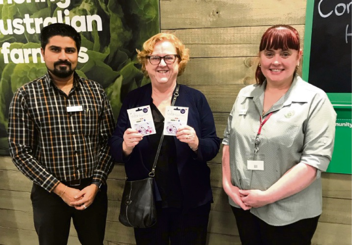 Marilyn Chamberlain with Woolworths Riverton store manager Amit Patel and service manager Bronwyn Opie.