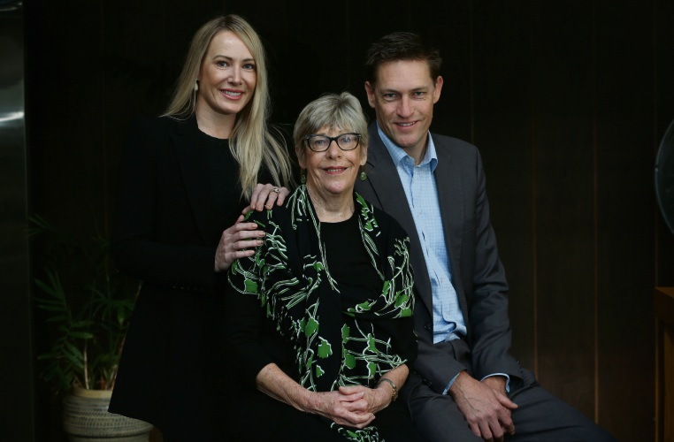 Emma Milner, mum Valerie Davis and brother Brett Davis. Emma and Brett are doing Dry July after their mum was diagnosed with stage four metastatic lung cancer. Picture: Andrew Ritchie www.communitypix.com.au   d494218