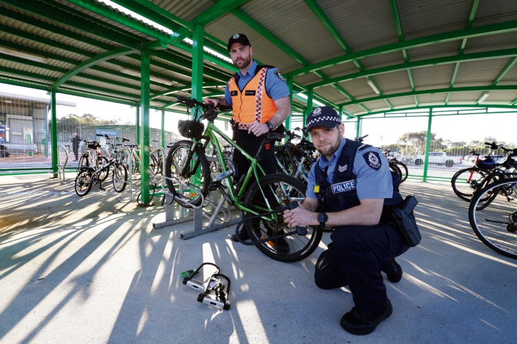 Transit officer Craig Joyce and Snr Const John Harrison from Warwick police. Picture: Martin Kennealey d494094