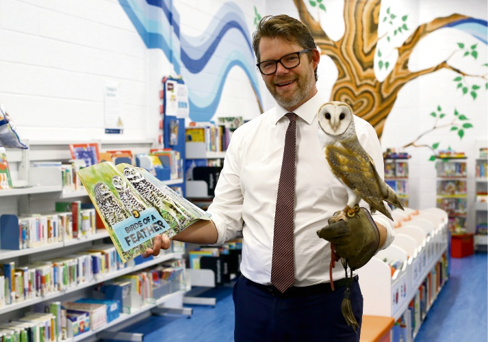 Mayor Dan Bull with Crystal the Owl at the Morley Library. The Morley Library is inviting people to visit and learn more about Owls on July 9. Picture: Matt Jelonek www.communitypix.com.au   d494203