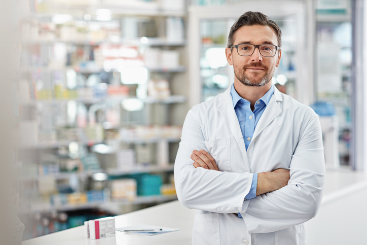 The Australian Health Care Reform Alliance says letting pharmacists issue repeat prescriptions will save consumers time and money, but doctors remain opposed.