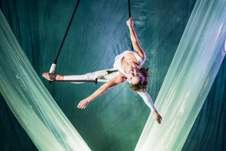 Josie Wardrope's Precarious act in Circus Oz show