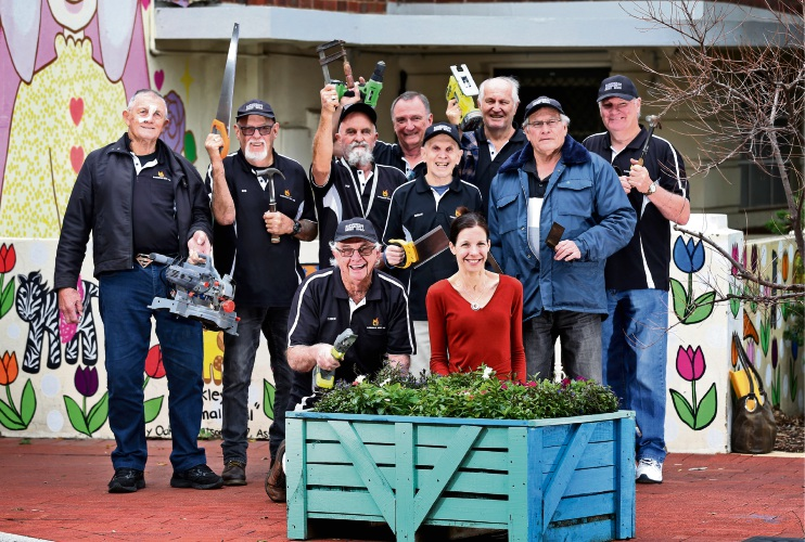 AT FRONT L-R: Robert Oakes of Maylands (President, Bassendean Menâ¿¿s Shed) and Cr Renee McLennan (Mayor, Town of Bassendean), seen here with other members of the Bassendean Men's Shed and the flower box. Picture: David Baylis www.communitypix.com.au   d494297