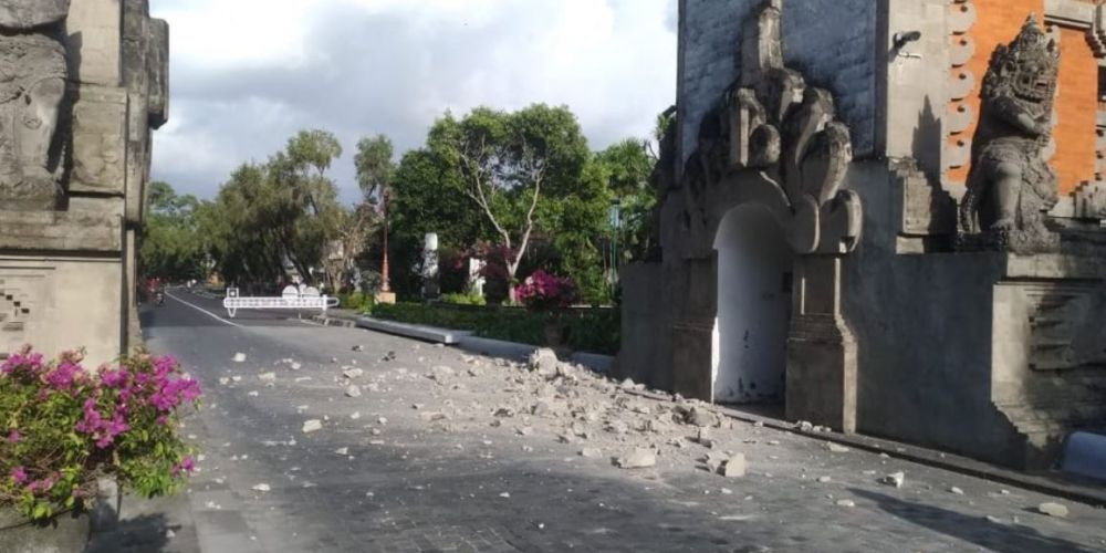 Buildings damaged as quake shakes Bali in Indonesia