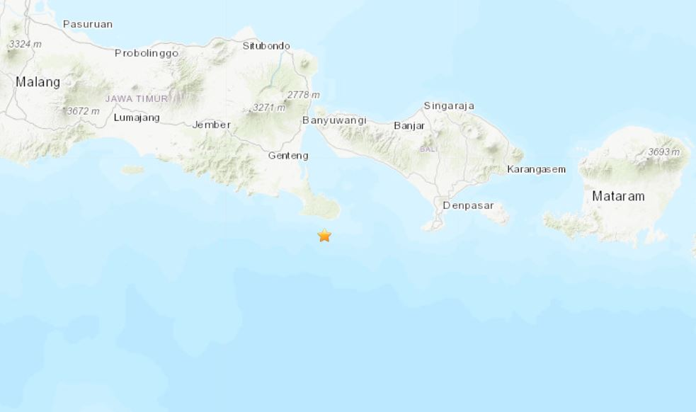 Strong quake hits off Indonesia's Bali island