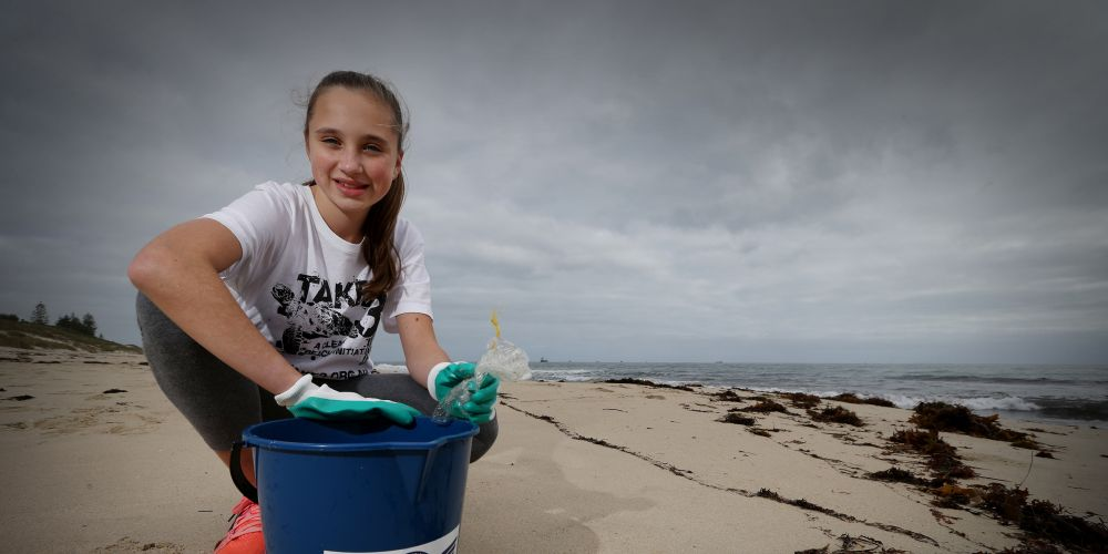 d494464a Year 6 student and Nedlands resident Eliza Wood (12) aims to reduce rubbish pollution along the coast line Picture: Andrew Ritchie www.communitypix.com.au   d494464
