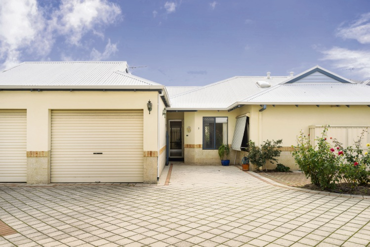 2/180 Gildercliffe Street, Scarborough – From $599,000