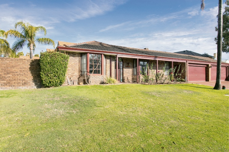 1 Alexander Place, Dalkeith – Auction: July 27 at 1pm