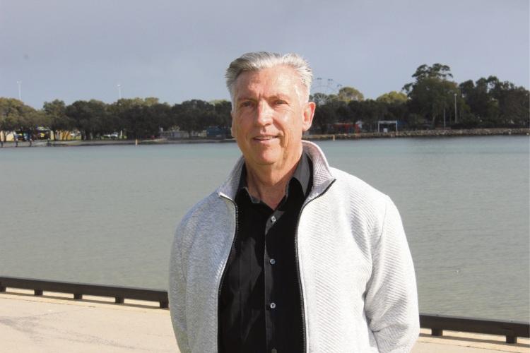 Former police officer calls for more police