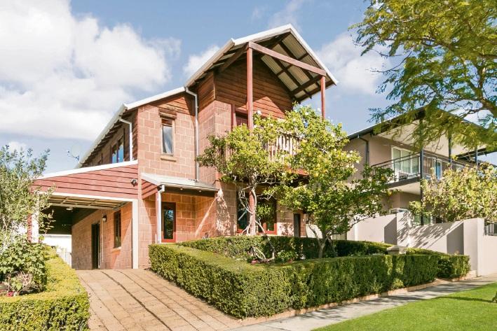 3 Polo Way, East Fremantle – $949,000