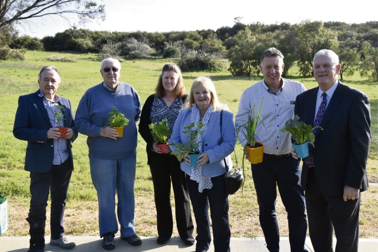(L-R) Councillor Kevin Allen, Daryll Smith and Karen Moulton from Coogee Community Garden, Councillor Carol Reeve-Fowkes, Councillor Phil Eva and Mayor Logan Howlett.