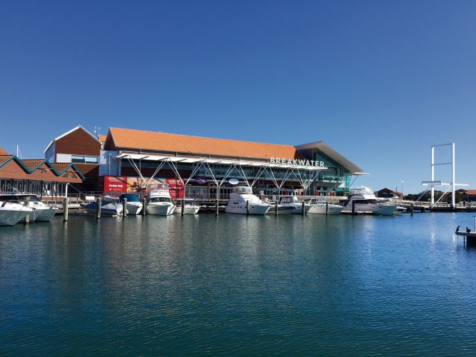 Youths riot at Hillarys Boat Harbour