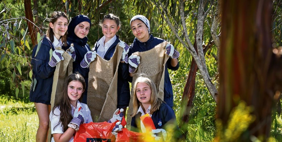 Ashdale Secondary College students Yves-Monique Maney (14), Sara Damirshi (13), Olivia Muller (13) and Razaanah Chota (14) behind Ana Vladic (13) and Lauren Italiano (14).  Picture: David Baylis www.communitypix.com.au d495208