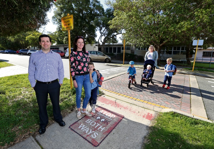 L-R: Cr Elli Petersen-Pik (City of Bayswater) with Kaylie Morphew of Maylands and Ayrton (6) and crossing the road is Kate Brill of Maylands with Oscar (3), Finn (2) and Lachie (5). Picture: David Baylis www.communitypix.com.au   d495083