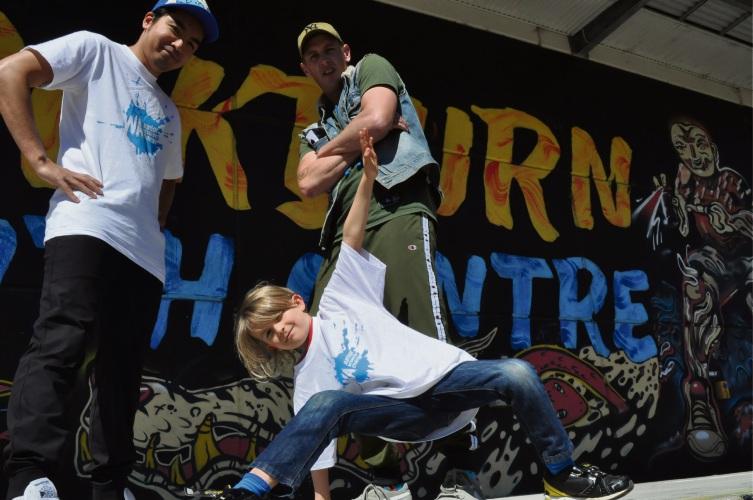 Evander Heath (7) with junior championship organisers (L-R) Eric Breadon (Airrico) and Brendan Burns (B-Boy Beast).