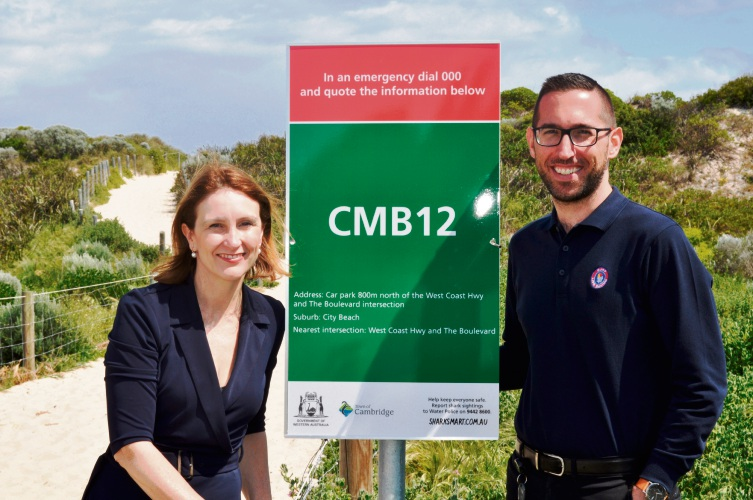 Cambridge mayor Keri Shannon with Surf Life Saving WA's Nick Pavy and one of the BEN signs.