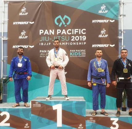 Leo Bobadilla beat fierce competition to claim silver at the Pan Pacific Brazilian Ju-Jitsu Championship.
