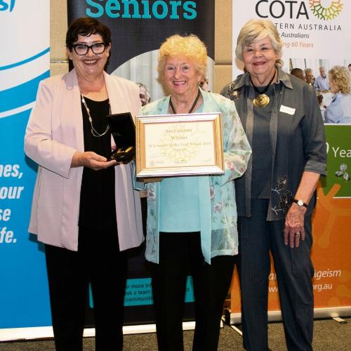 Senior wins top award
