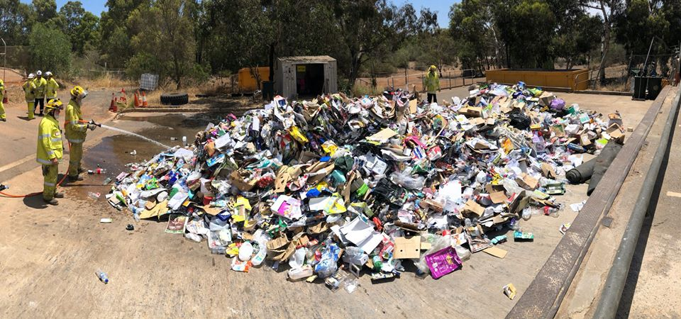 An incorrectly disposed battery pack started a fire when it was compacted in a recycling truck.