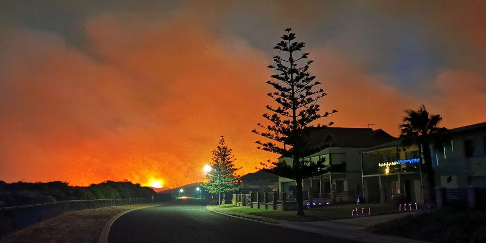 Bushfire near homes in Two Rocks. Picture: Karl Gibson, Yanchep Two Rocks Alkimos Community/Facebook