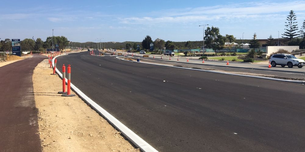 Work on the Marmion Avenue dual carriageway is expected to finish in April.