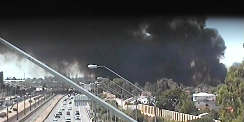 Emergency services are battling a bushfire in Perth. Picture: Main Roads/Twitter
