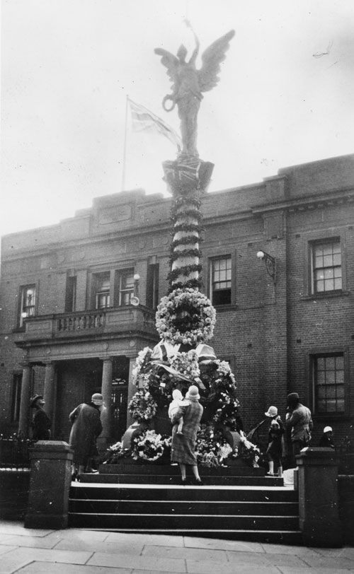 Marrickville monument in 1922