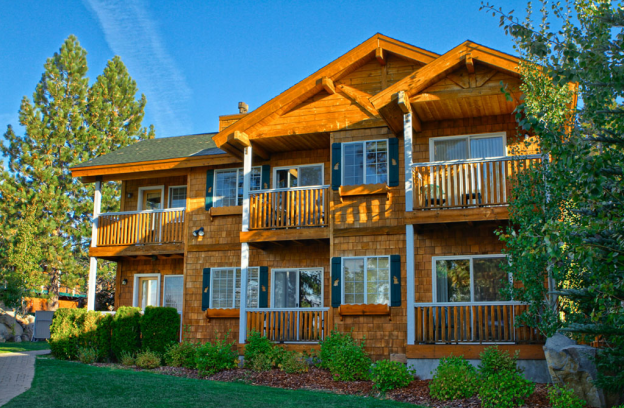 Red Wolf Lakeside Lodge