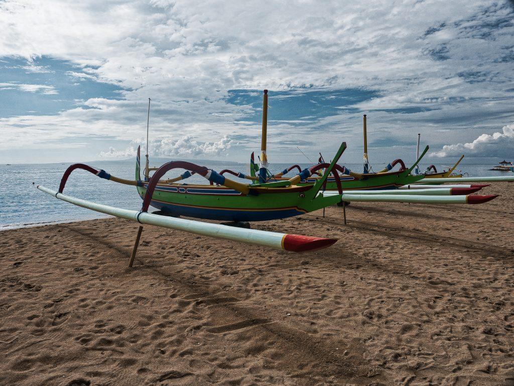 20170409-Boat-on-Sanur-Beach-1024x769.jpg