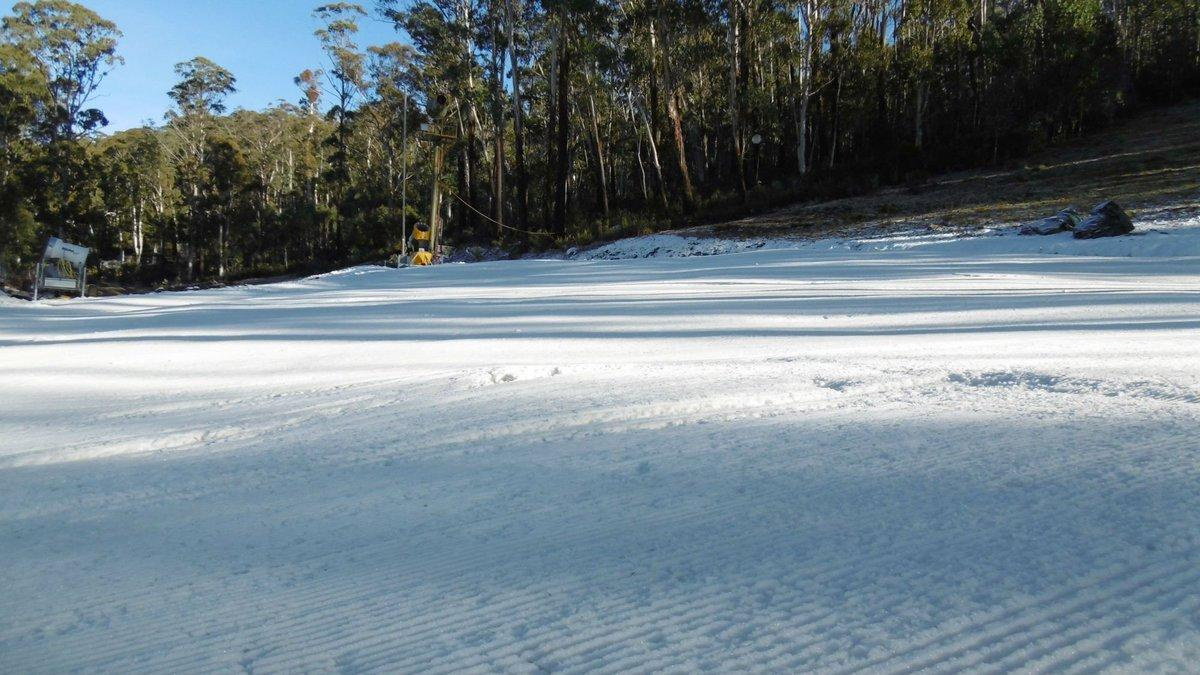 """Snow season is under way!! We're open all week for snowplay, so come and build a snowman. <a href=""""https://twitter.com/search/%23CBR"""" target=""""_blank"""">#CBR</a> <a href=""""https://twitter.com/search/%23visitcanberra"""" target=""""_blank"""">#visitcanberra</a> <a href=""""https://twitter.com/search/%23snow"""" target=""""_blank"""">#snow</a> <a target=""""_blank"""" href=""""https://t.co/JCdzUY0Tk3"""">https://t.co/JCdzUY0Tk3</a>"""