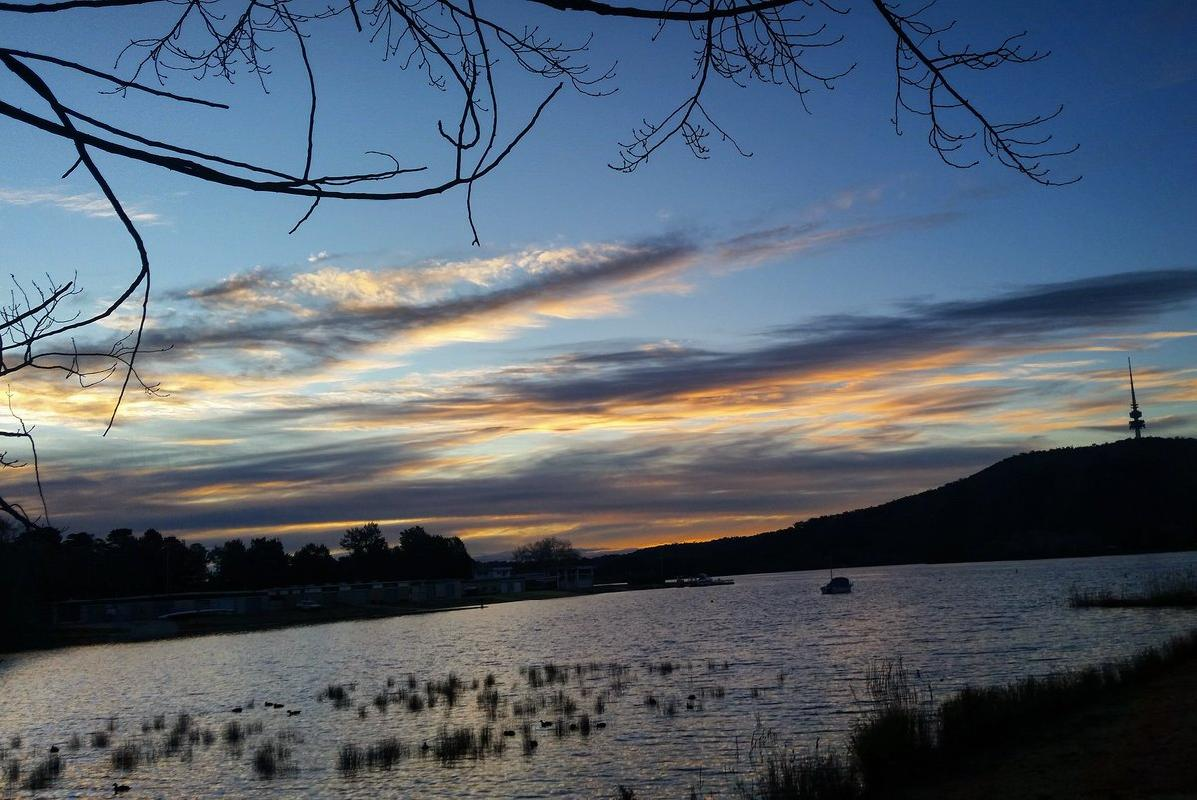 "Thursday done... <a href=""https://twitter.com/search/%23canberra"" target=""_blank"">#canberra</a> <a href=""https://twitter.com/search/%23cbr"" target=""_blank"">#cbr</a> <a href=""https://twitter.com/search/%23tweetcanberra"" target=""_blank"">#tweetcanberra</a> <a href=""https://twitter.com/search/%23visitcanberra"" target=""_blank"">#visitcanberra</a> <a href=""https://twitter.com/search/%23australia"" target=""_blank"">#australia</a> <a href=""https://twitter.com/search/%23photography"" target=""_blank"">#photography</a> <a href=""https://twitter.com/search/%23sunset"" target=""_blank"">#sunset</a> <a target=""_blank"" href=""https://t.co/jFursZlqHz"">https://t.co/jFursZlqHz</a>"