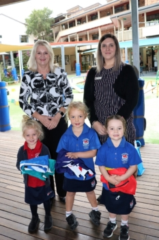 Presentation Of Flags To Kindy 14