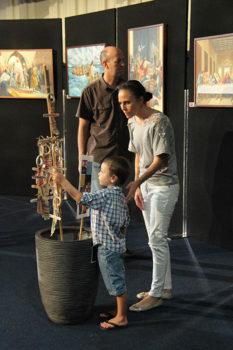 Easter Arts Family Enjoying Art