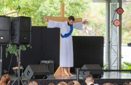 Easter Service 19