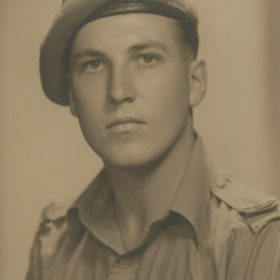 Robert Kennon 1943
