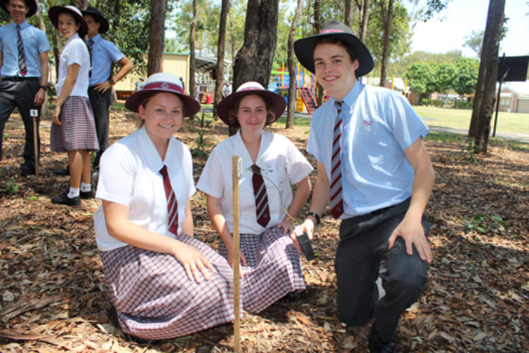 year-12-tree-planting-ceremony-2015-for-web-31