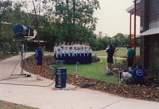 1991 Network 10 Visit Redeemer And Choir Perform