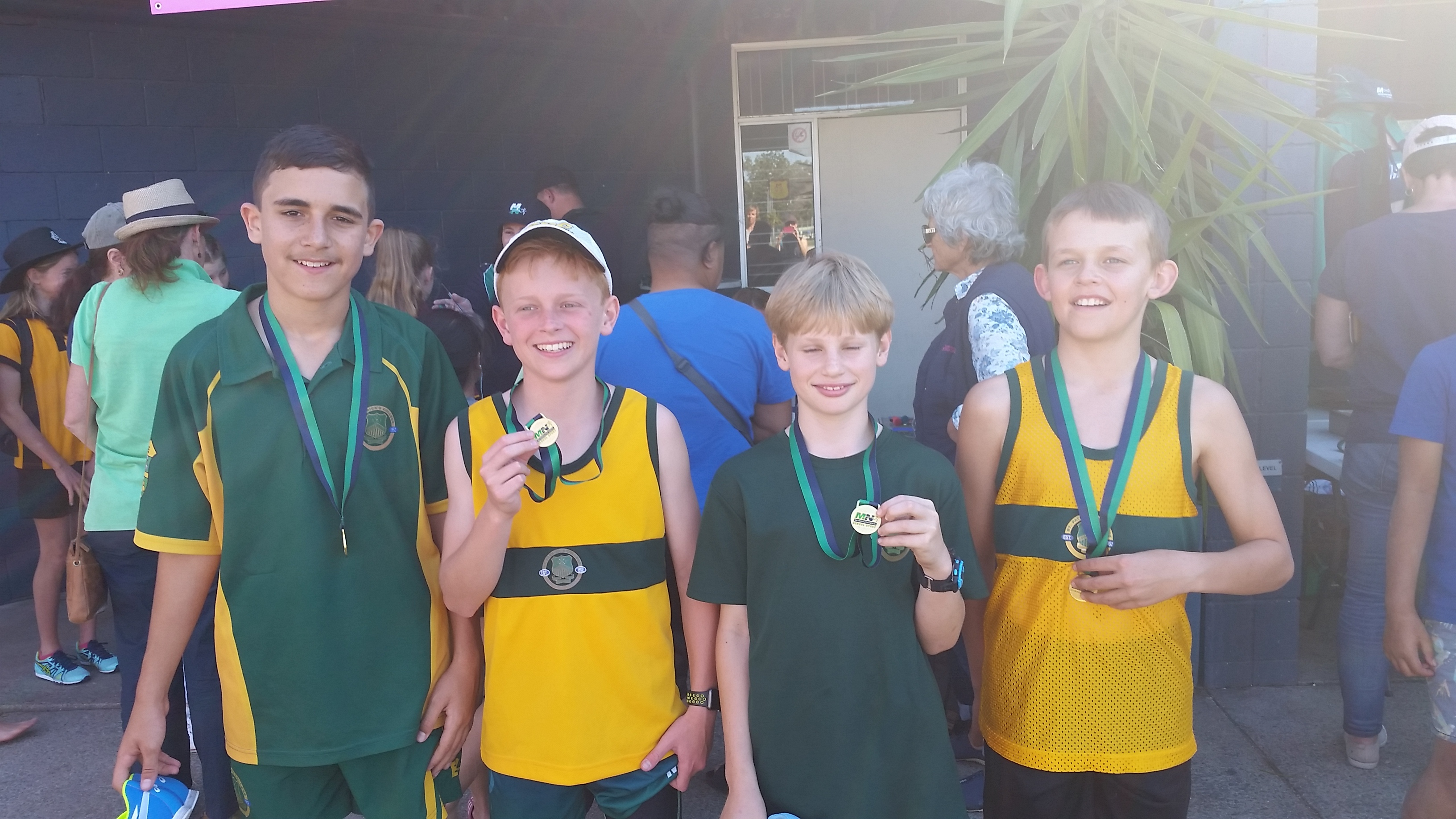Winning-12-yrs-relay-team-002.jpg?mtime=