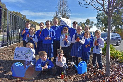 News Nat Tree Day 06