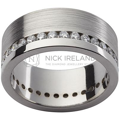 GW15 / 18ct white gold diamond set gents wedding ring