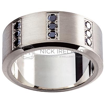 GW17 / 18ct White gold black diamond set gents wedding ring